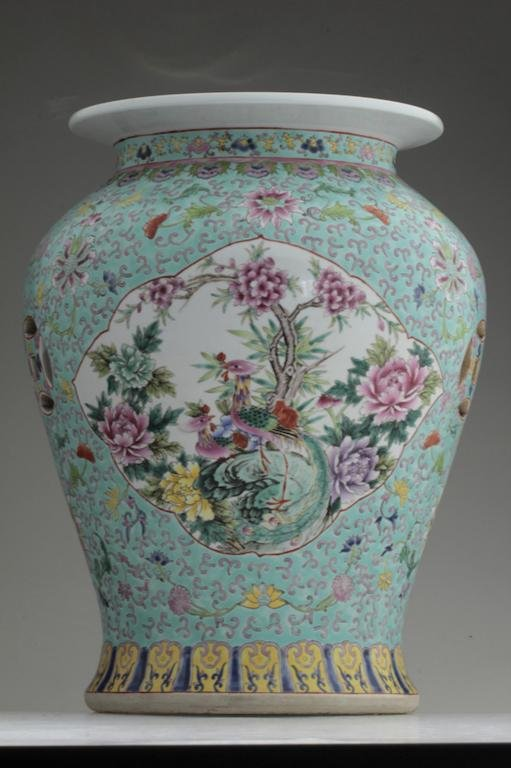 A large Chinese famille rose porcelain garden seat