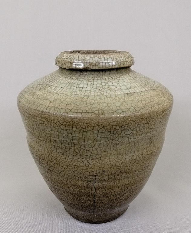 Song dynasty ceramic vase with crackled glaze504