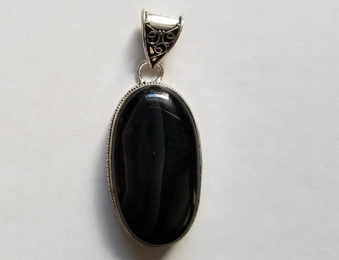 BLACK ONYX WITH VINTAGE DESIGN .925 SILVER GEMSTONE