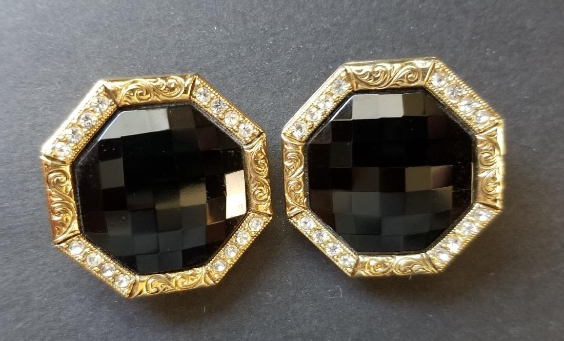 Vinatge Black-Gold Tone Earrings