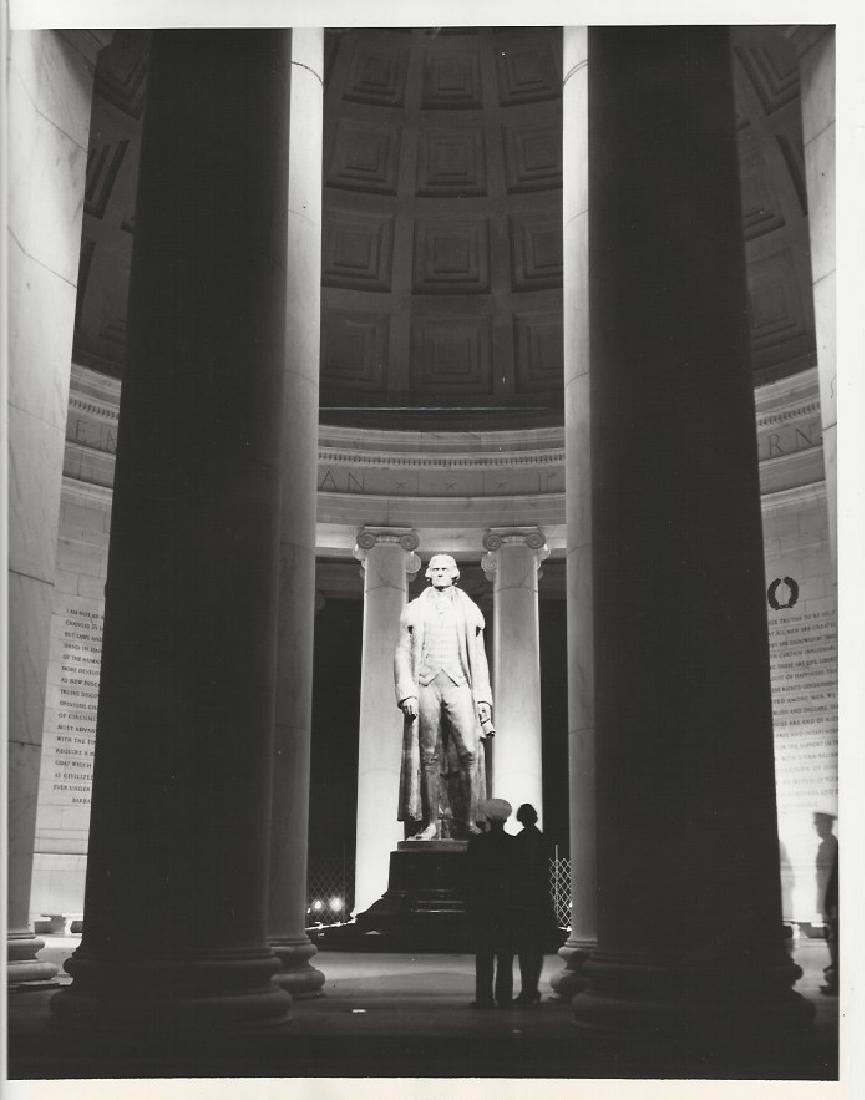 1943 Thomas Jefferson statue at Washington
