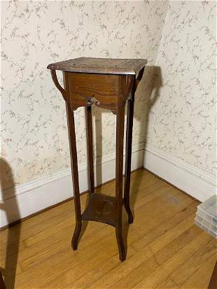 Antique arts and crafts solid oak plant stand