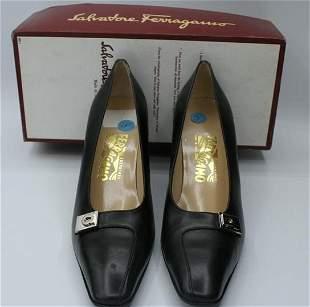 Ferragamo leather black heeled shoes