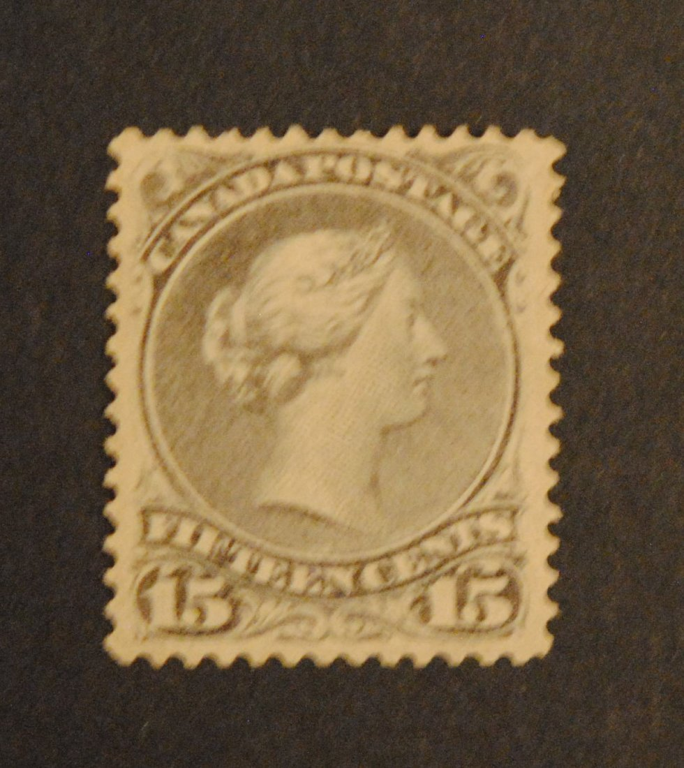 """Canada 15c """"Large Queen"""" S/C #29 VF M OG"""