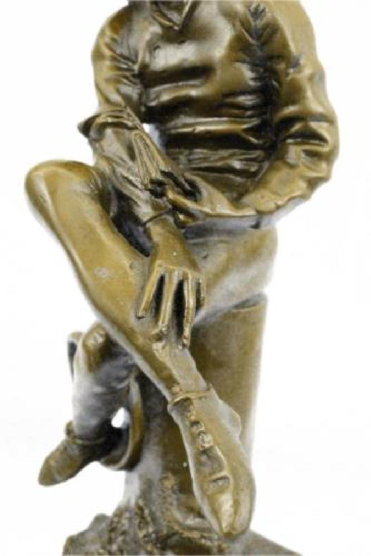 Beautiful Bronze Statue on Marble Base Sculpture - 3