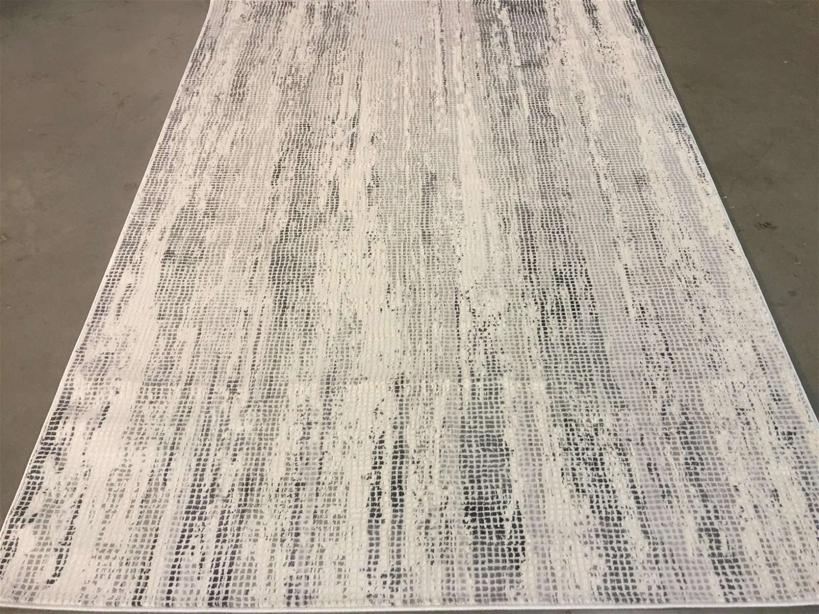 MAGNIFICENT CARVED MODERN RUG 7x10
