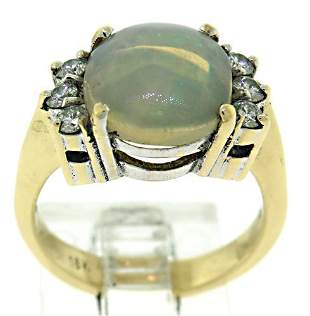 18kt Jelly Opal and Diamond Ring