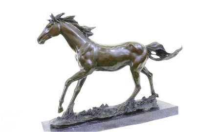 Signed Barye Thoroughbred Race Horse Bronze Sculpture