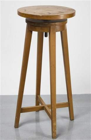 Artist's Sculpture Stand
