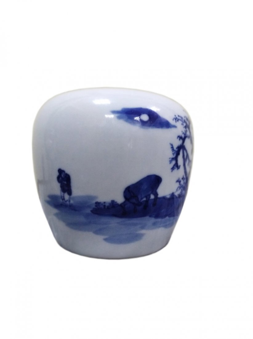 A chinese B-W porcelain water pipe export to Vietnam