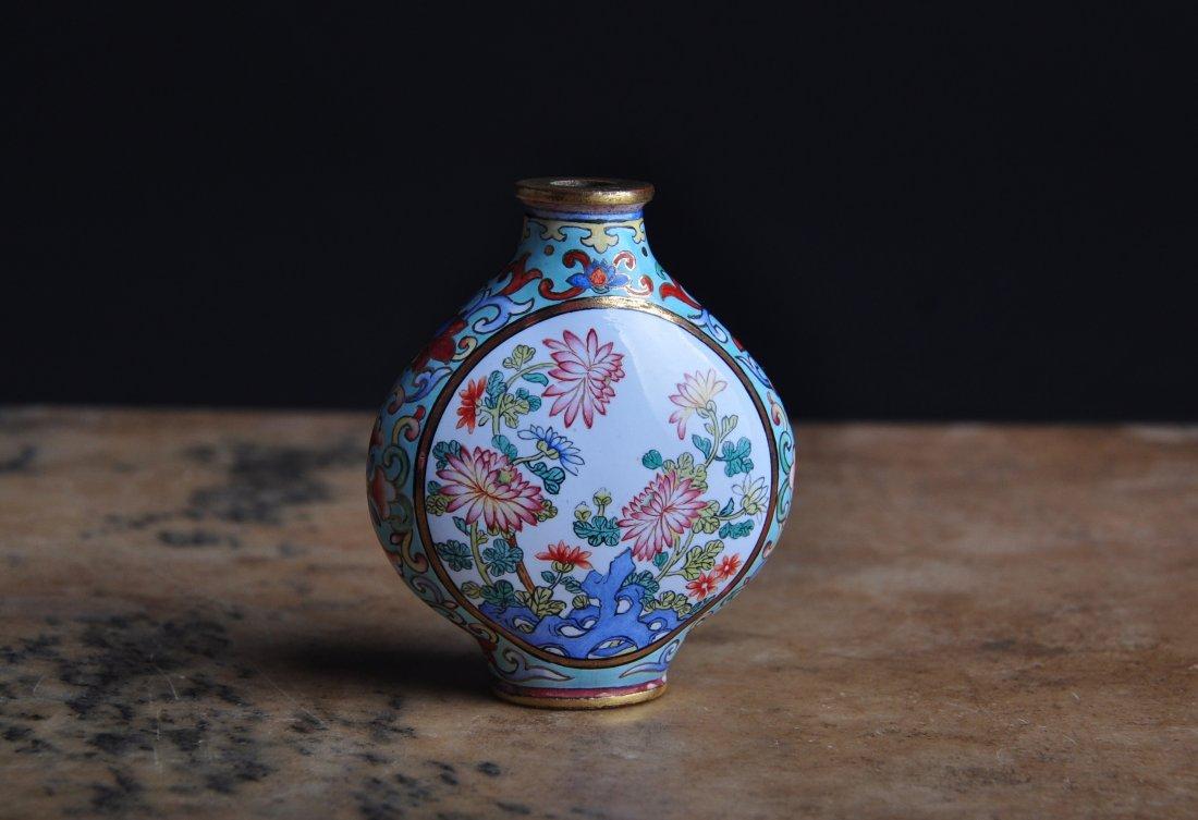 An Enamelled Copper Snuff Bottle, Qing Dynasty