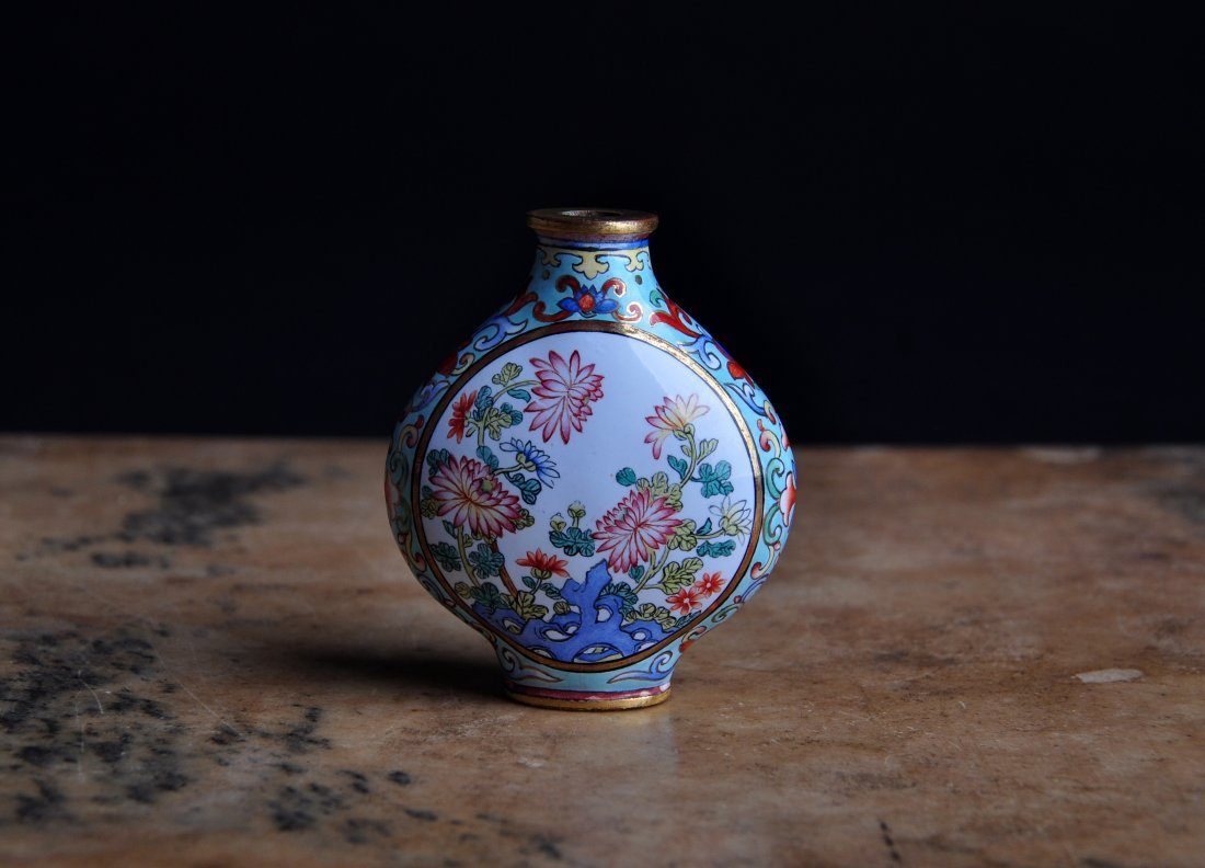 An Enamelled Copper Snuff Bottle, Qing Dynasty - 3