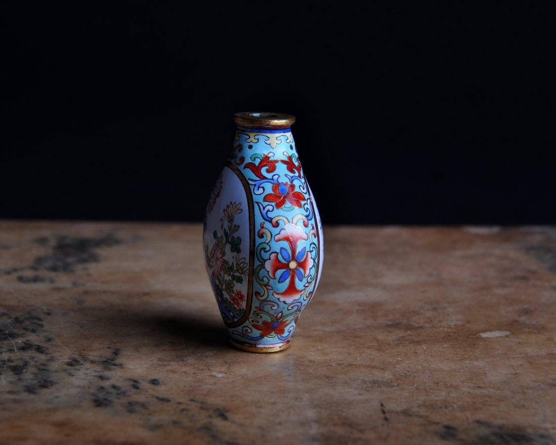 An Enamelled Copper Snuff Bottle, Qing Dynasty - 4