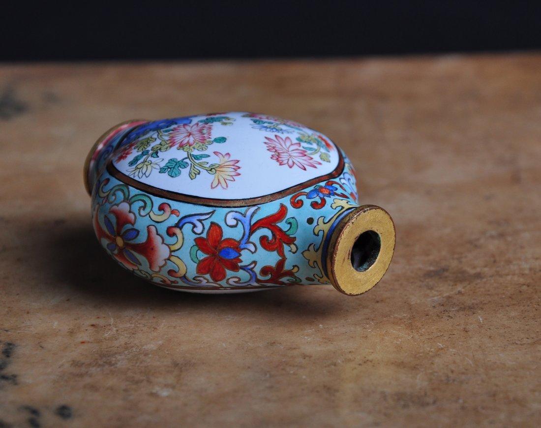 An Enamelled Copper Snuff Bottle, Qing Dynasty - 7
