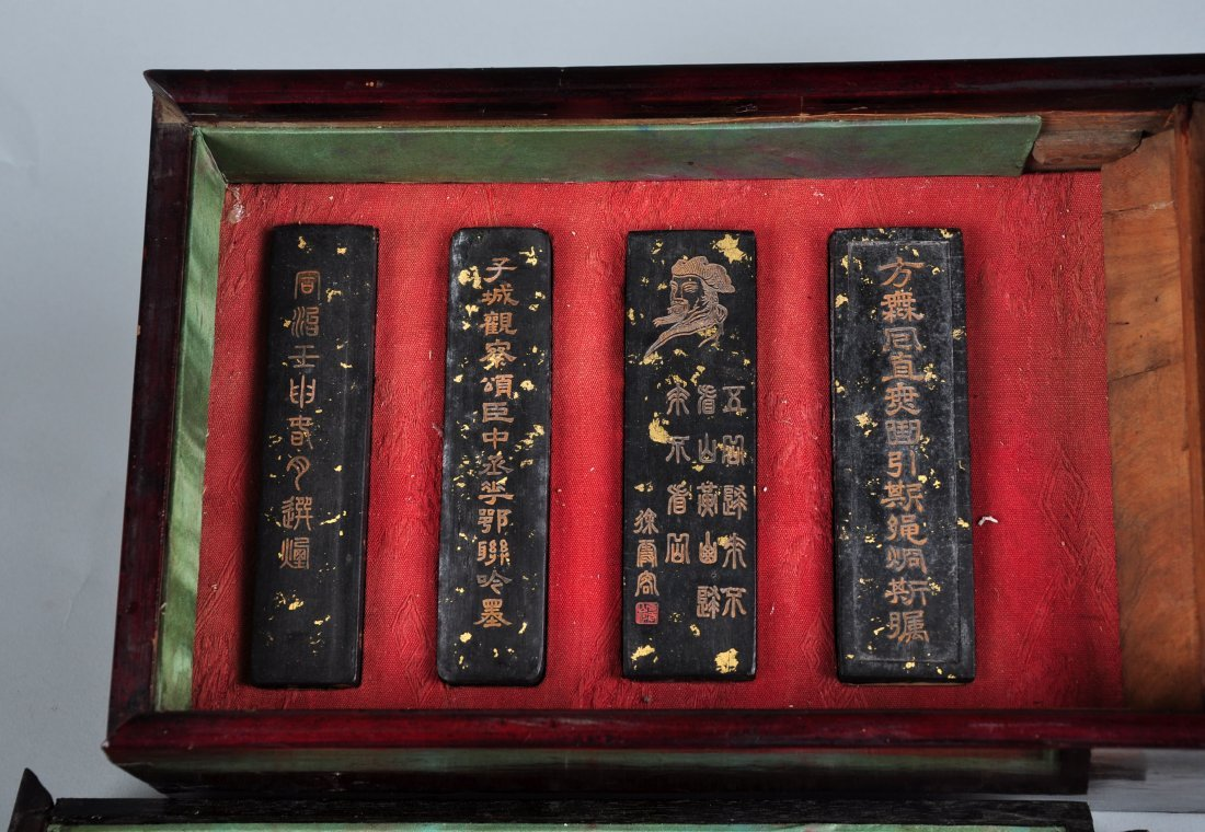 A Pack of 8-Piece inkcake with Original Box - 2
