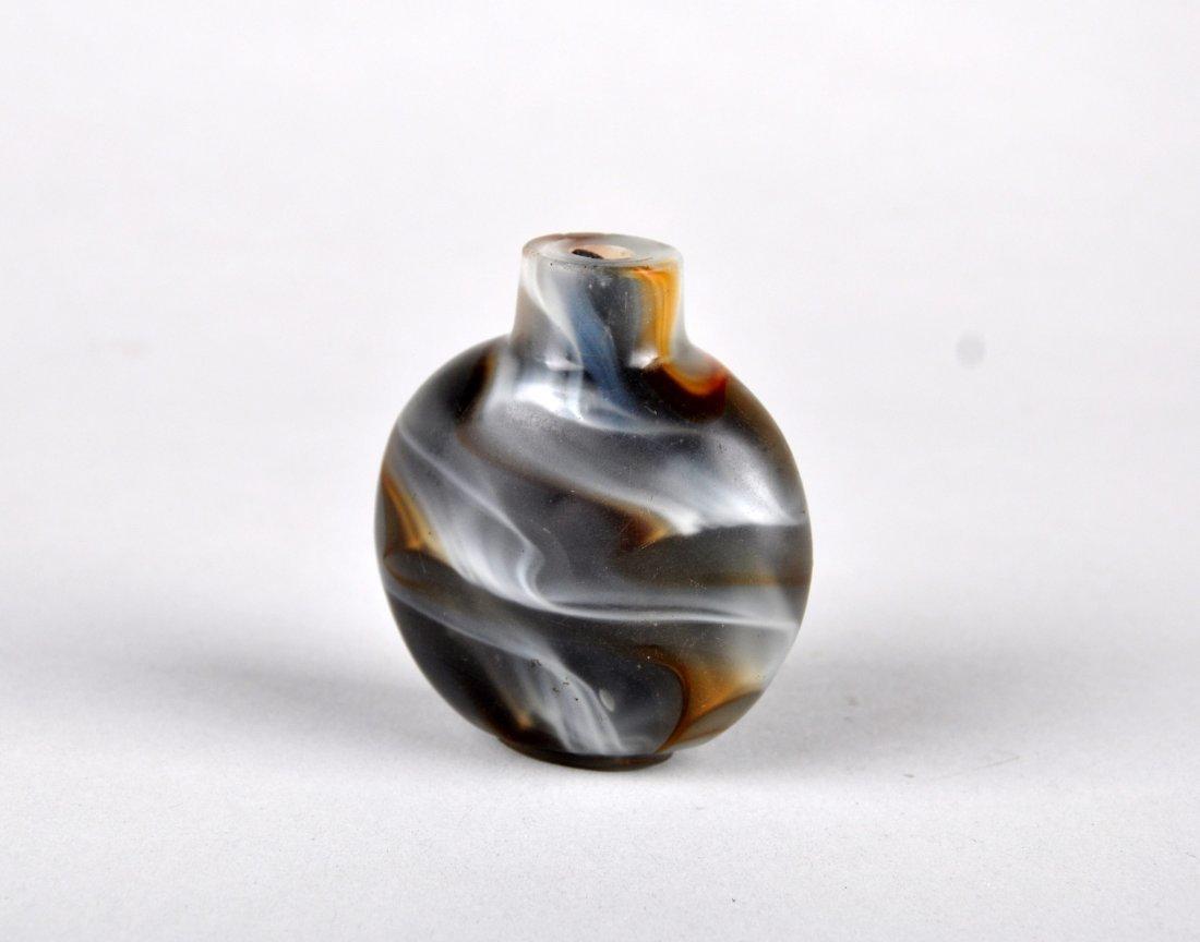 A Glass Imitating Agate Snuff Bottle, Qing Dynasty