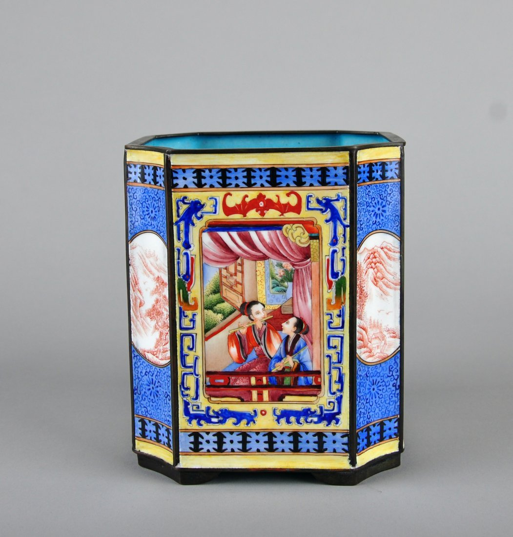 A Enamelled Copper Brush Pot, Qing Dynasty - 3
