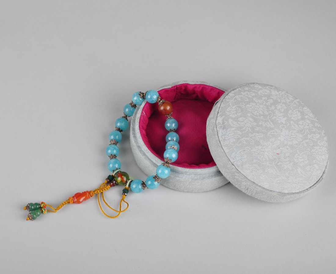 A Blue Gem Stone Bracelet with Box, Qing Dynasty - 3