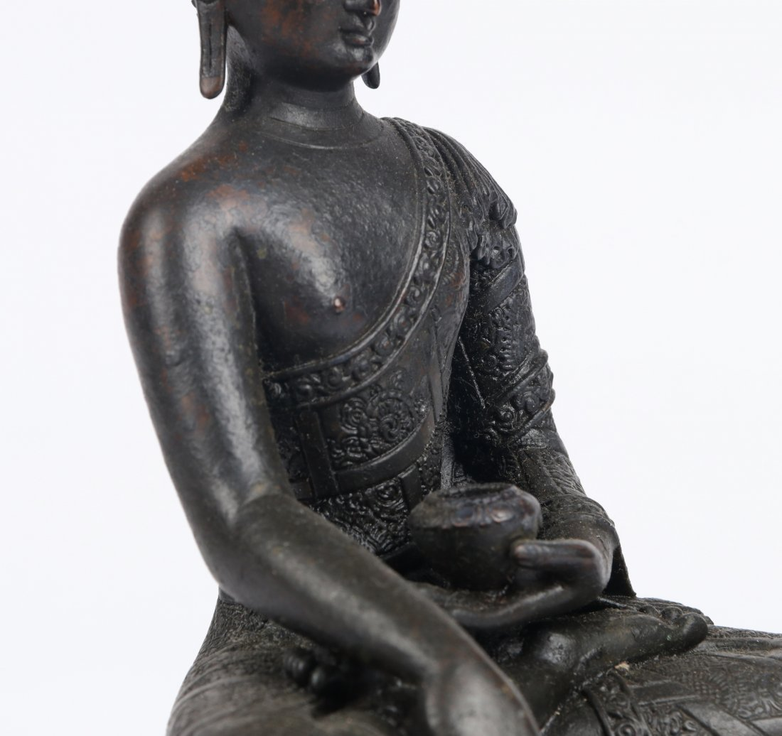A Bronze Figure, Qing Dynasty - 3