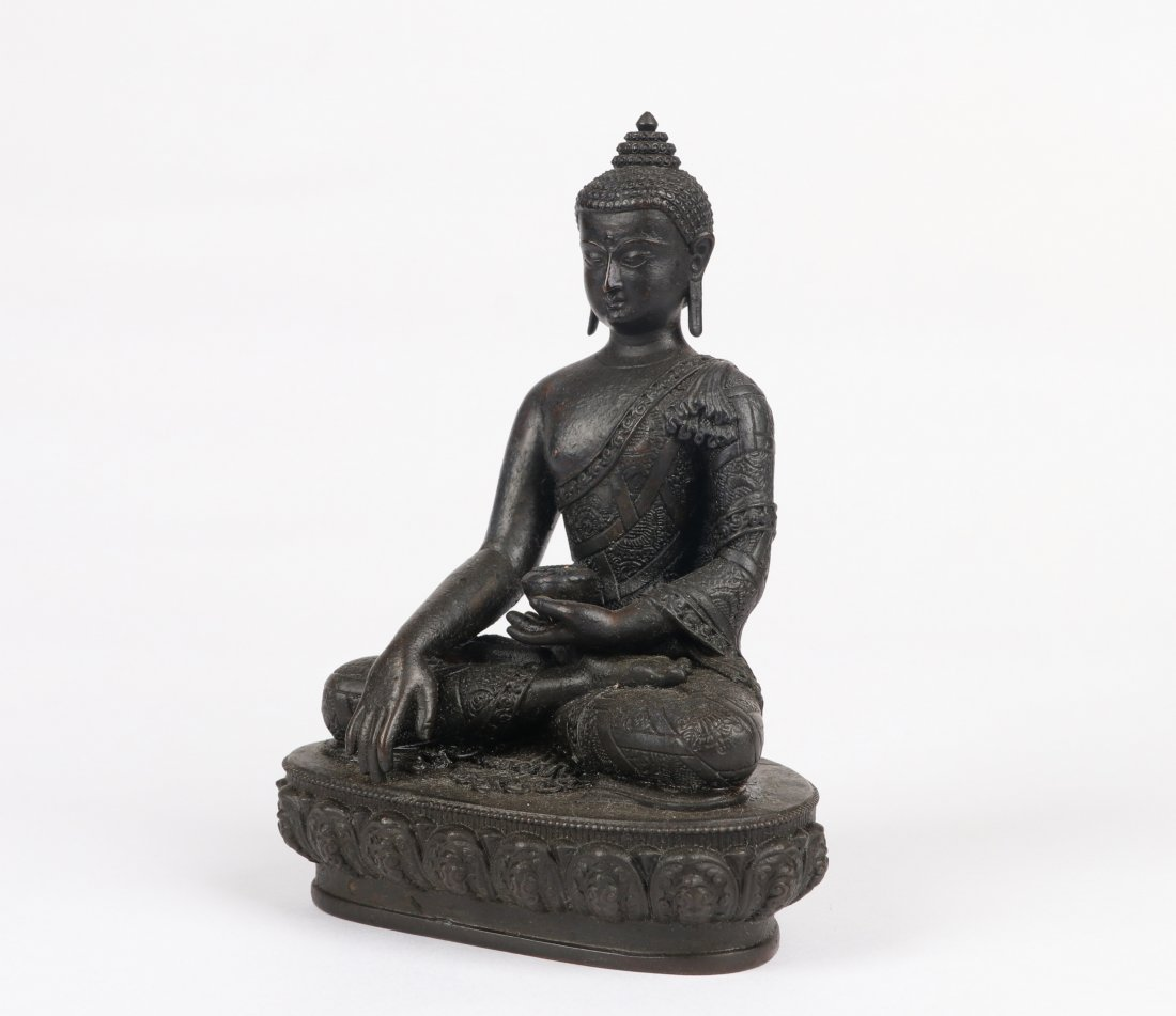 A Bronze Figure, Qing Dynasty - 7