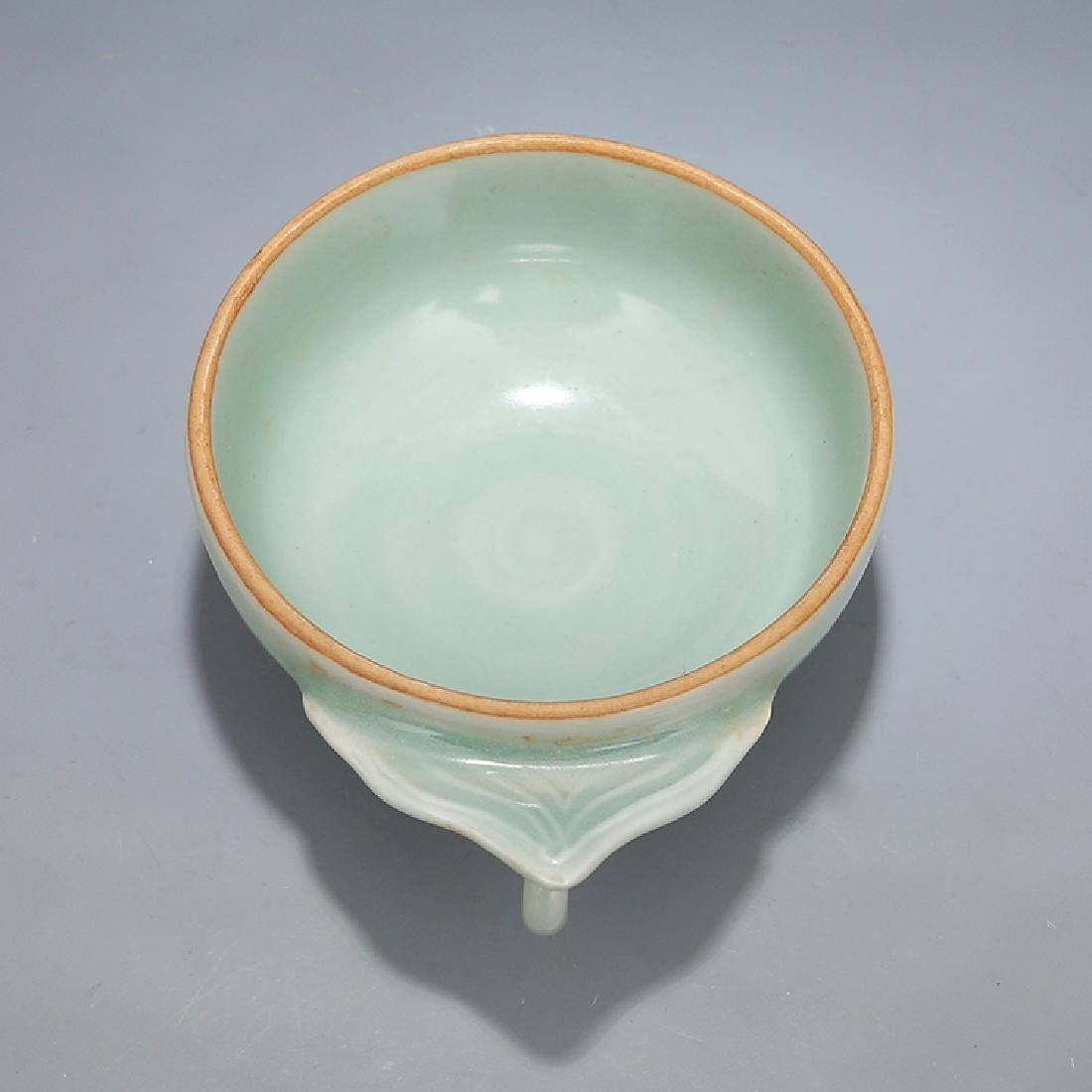A LONGQUAN CELADON WINE CUP, SONG DYNASTY - 3