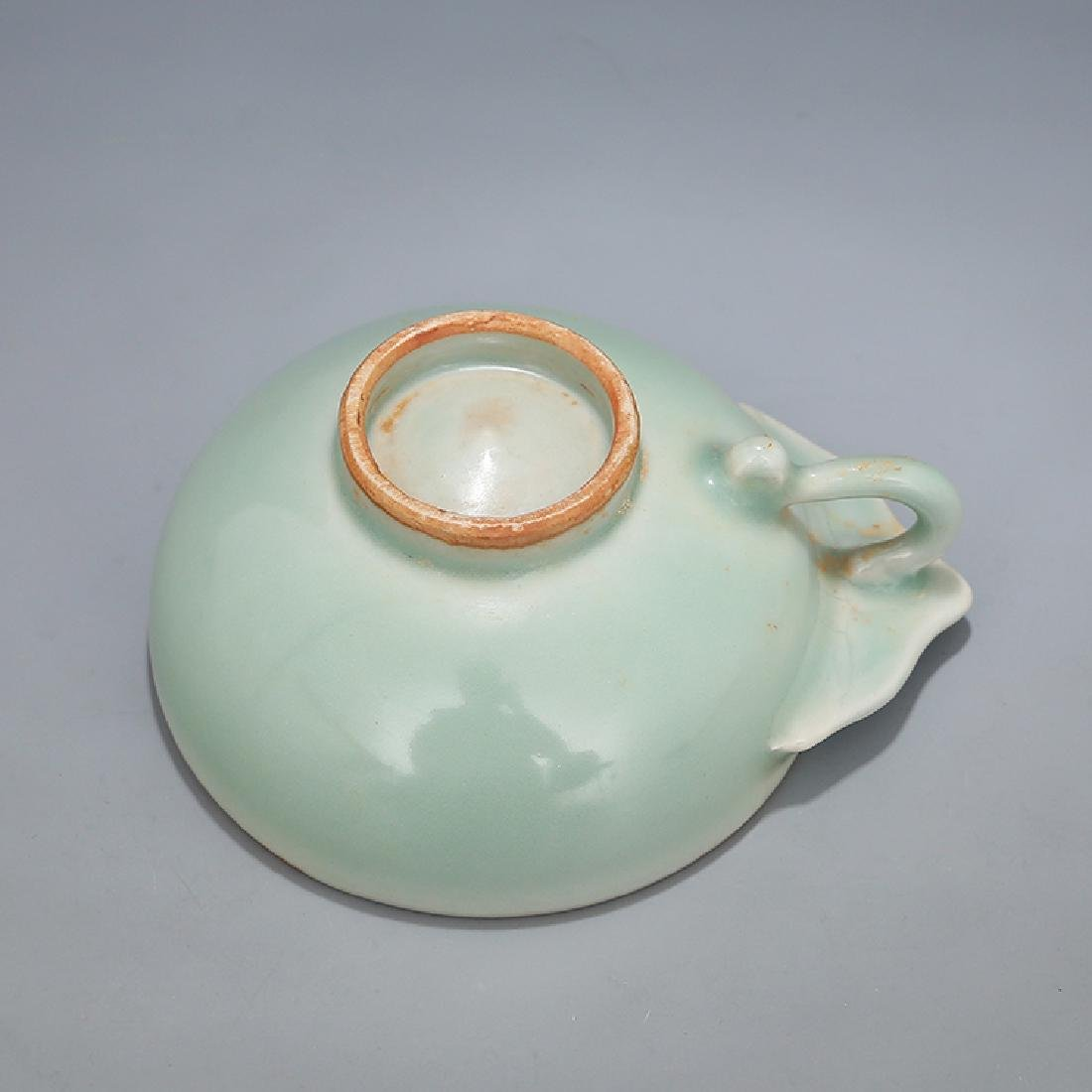 A LONGQUAN CELADON WINE CUP, SONG DYNASTY - 4
