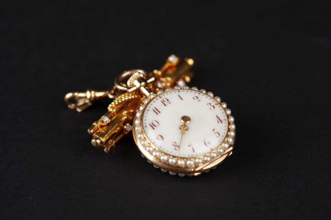 A 18KT GOLD POCKET WATCH, 18T CENTURY - 2