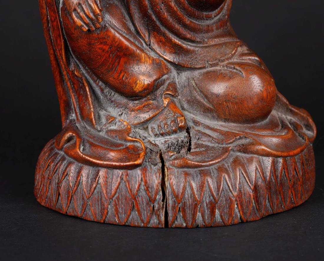 A CHINESE CARVED WOOD FIGURE OF SEATED GUANYIN, QING - 7