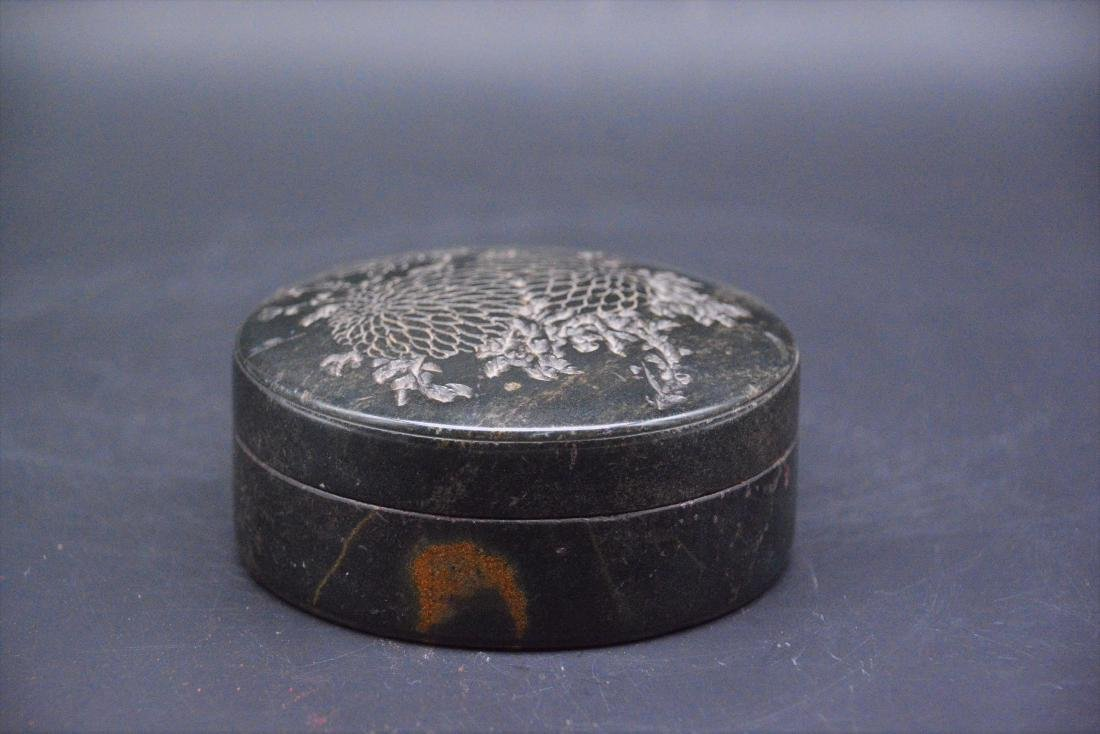 A CHINESE CARVED SOAPSTONE SEAL PAST BOX, QING DYNASTY - 2