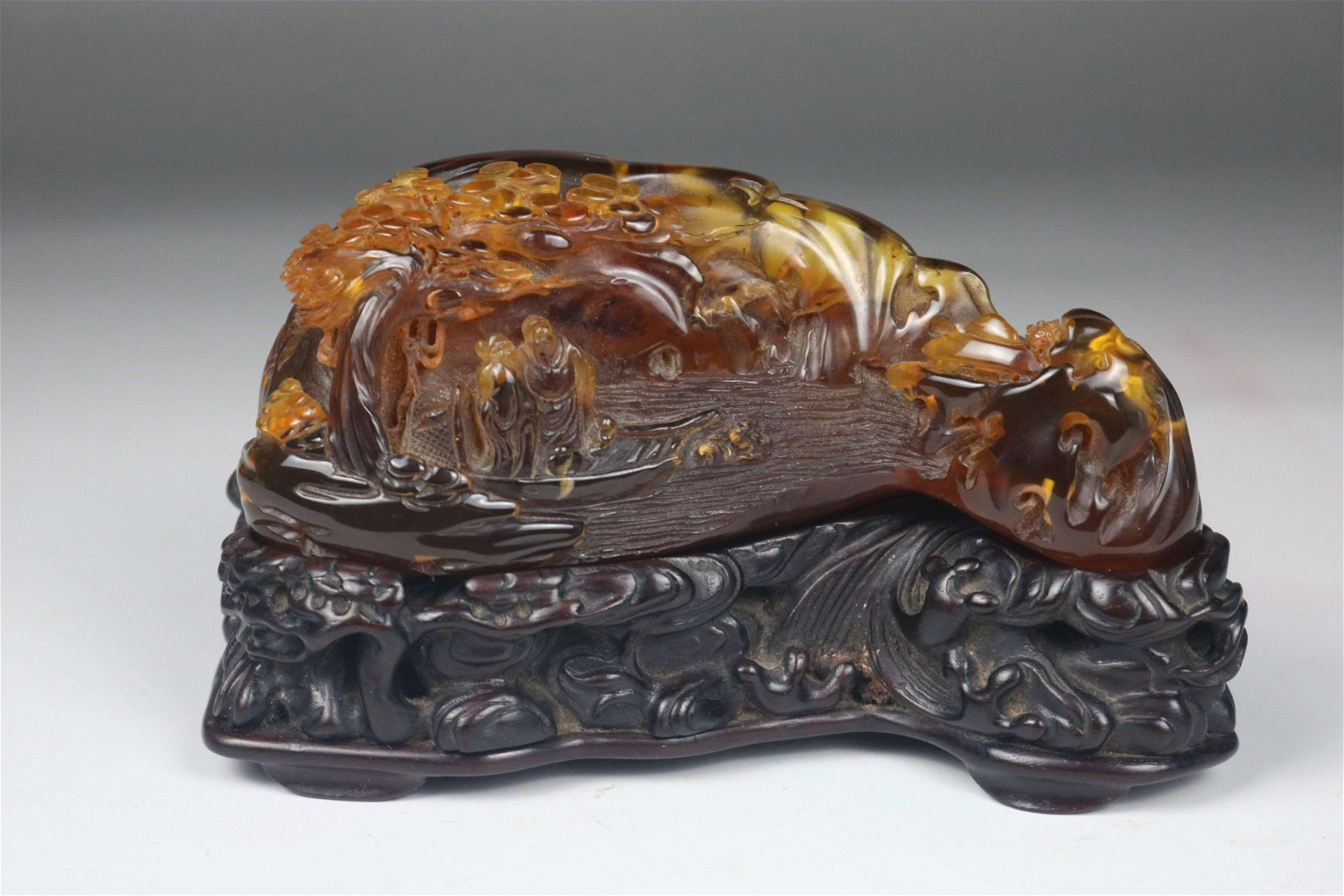 A CHINESE AMBER BOULDER. QING DYNASTY
