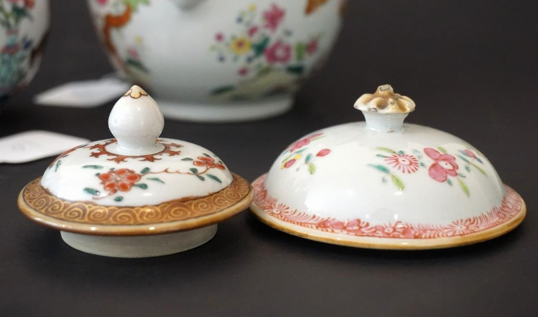 Two Chinese Export Famille Rose Teapots - 4
