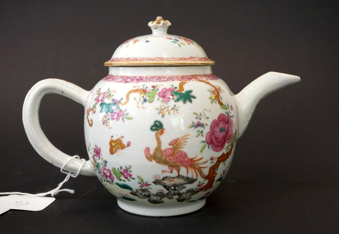 Two Chinese Export Famille Rose Teapots - 6