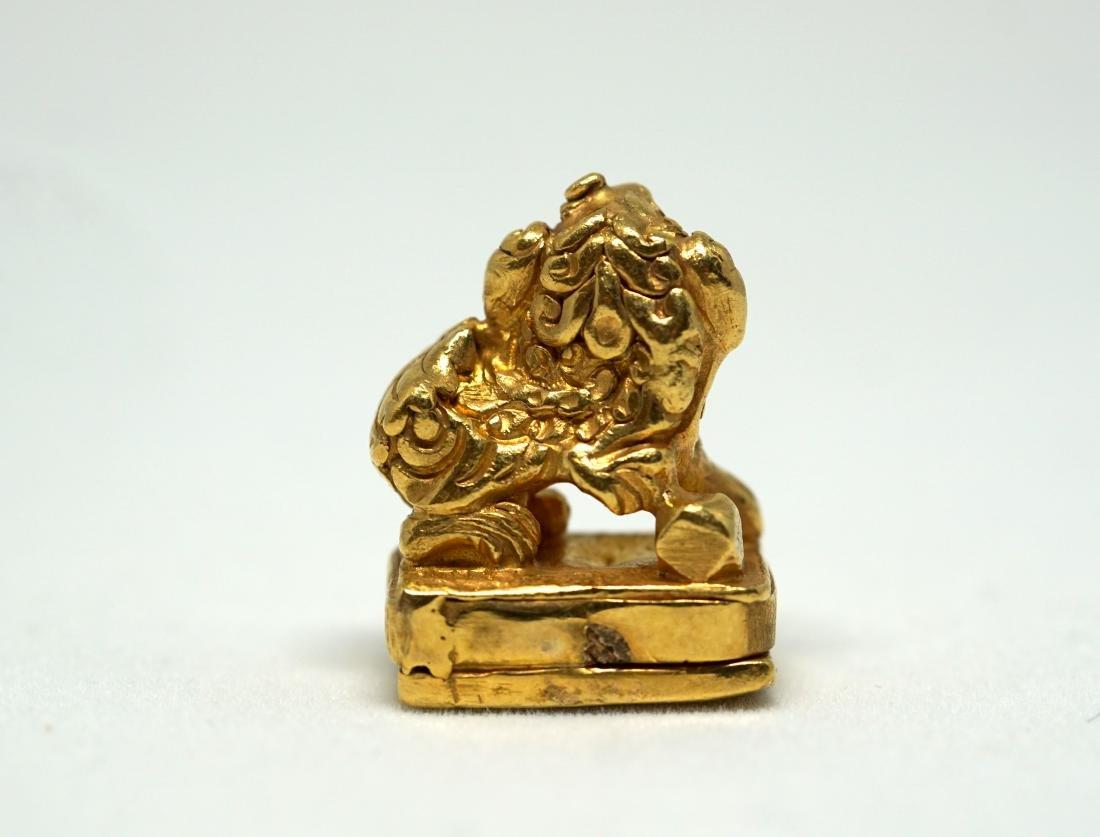A Solid 22K Golden Lion Seal - 3