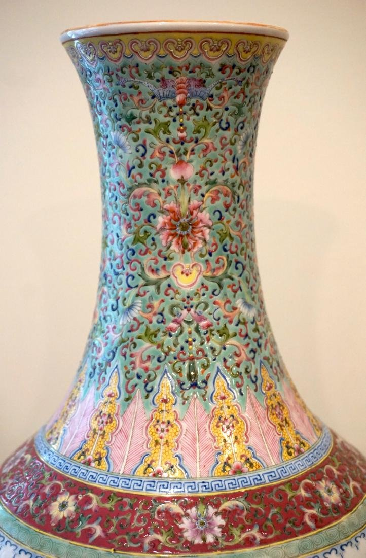 A Well-Painted Chinese Famille Rose 'Floral' Vase - 3
