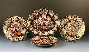 Derby Imari Pattern Cake Dish and Four Plates, 18thc