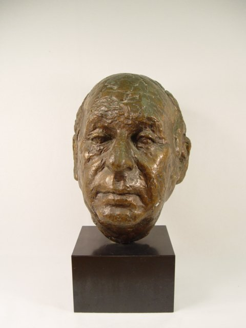 1005: Life-size Bronze Head of a Man.
