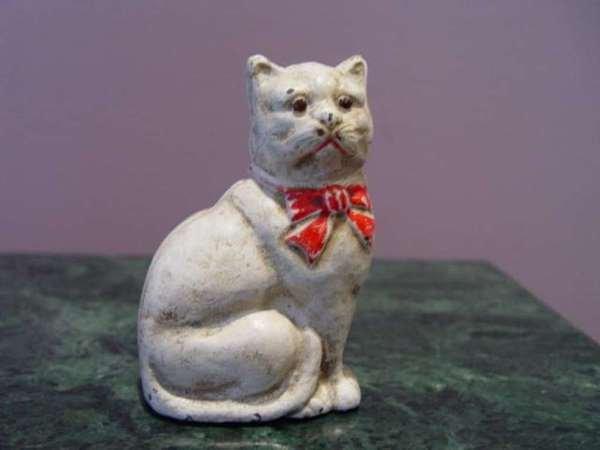 5: Cast Iron Cat Money Bank C.1940
