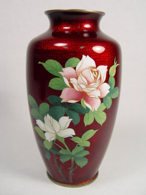 20: A Beautiful Japanese Cloisonne Pigeon Blood Vase.