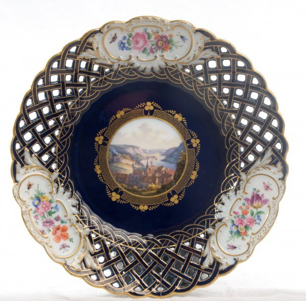194: Meissen porcelain plate with Wehlen view