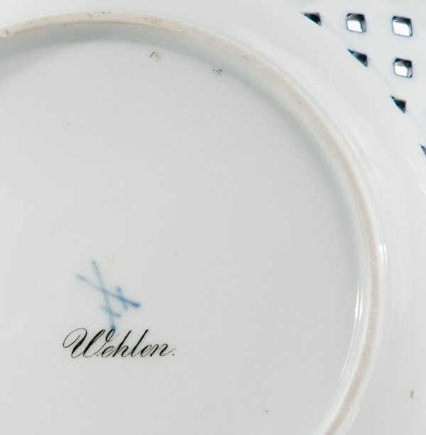 194: Meissen porcelain plate with Wehlen view - 2