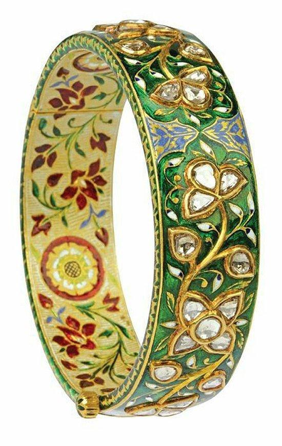 22K Solid Gold Mughal Style Beautiful Diamond Bracelet