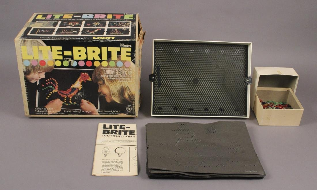 Vintage 1973 Hasbro Light Bright Play Set