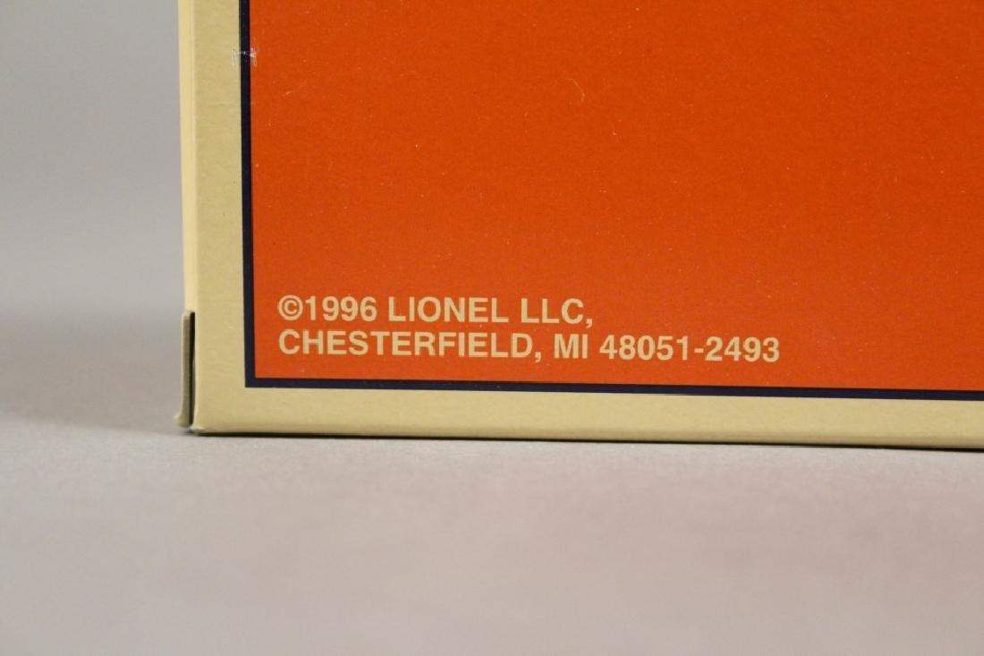 Lionel 6-29203 Maine Central Boxcar in the Box - 4