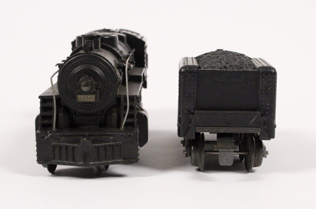 3 Vintage Lionel Locomotives & Tenders - 2