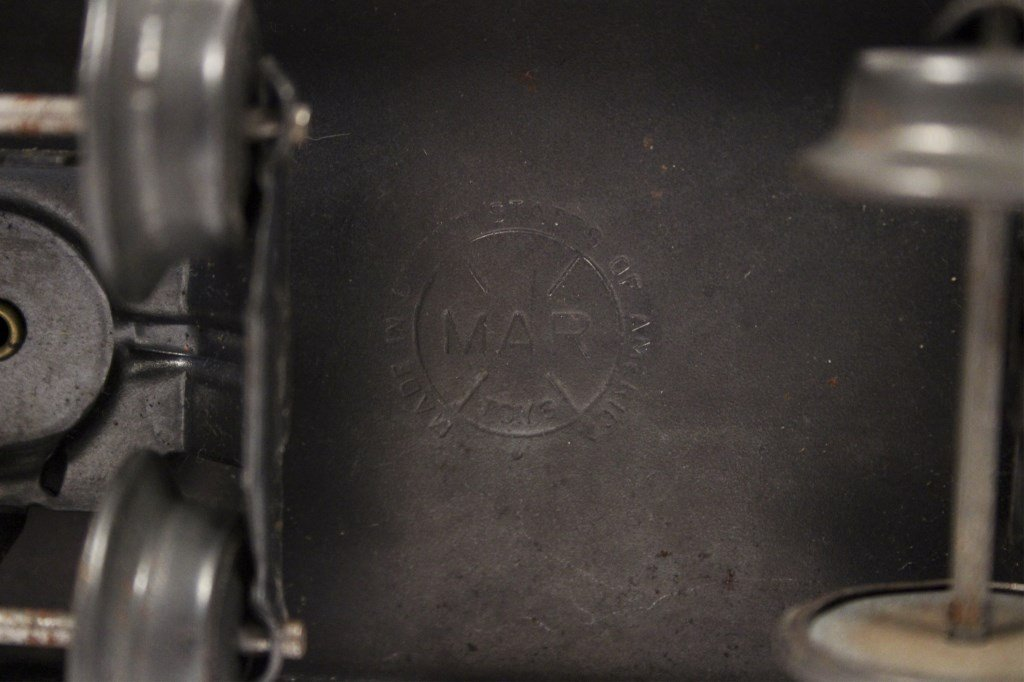 3 Vintage Lionel Locomotives & Tenders - 4