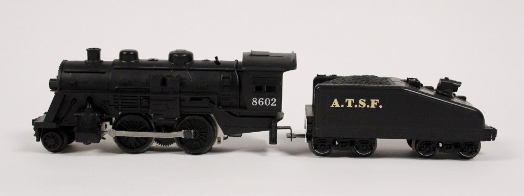 3 Vintage Lionel Locomotives & Tenders - 5