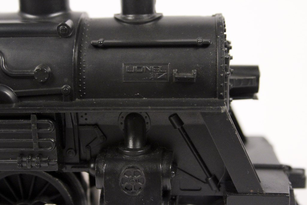 3 Vintage Lionel Locomotives & Tenders - 8