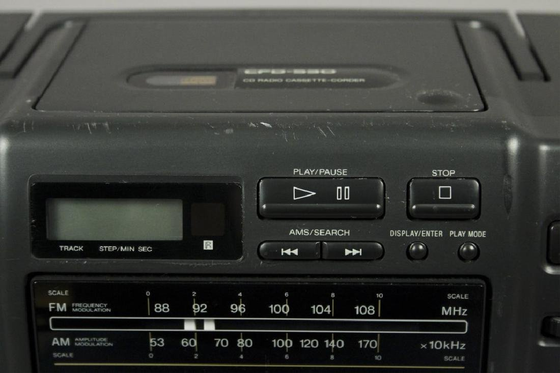 Sony CFD - 530 Portable - CD - Cassette Stereo - 4