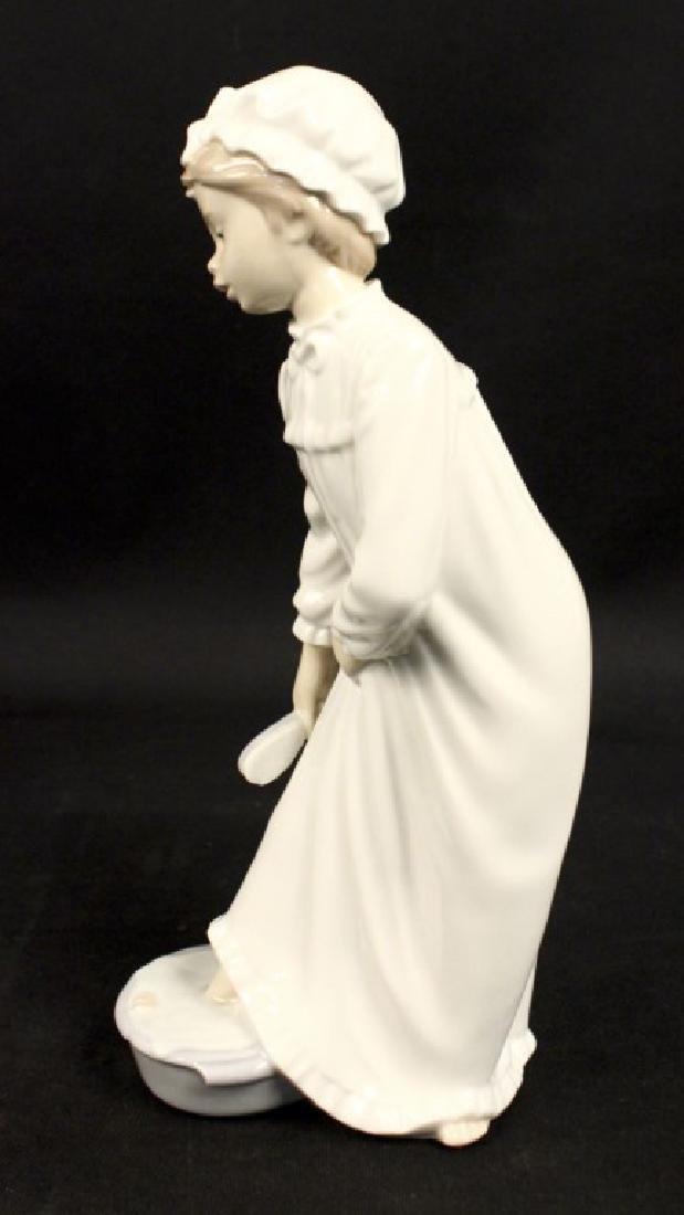Lladro Nao Porcelain Girl Nightgown Foot Bath - 5