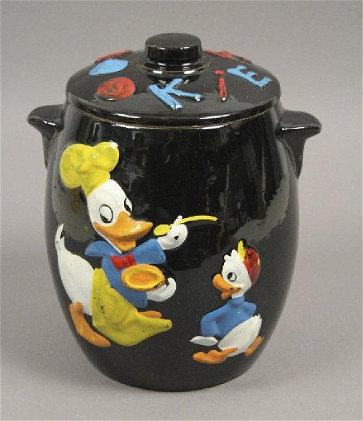 9a388d246 Walt Disney - Donald Duck Cookie Jar - Mar 29, 2019   Pace & Hong ...